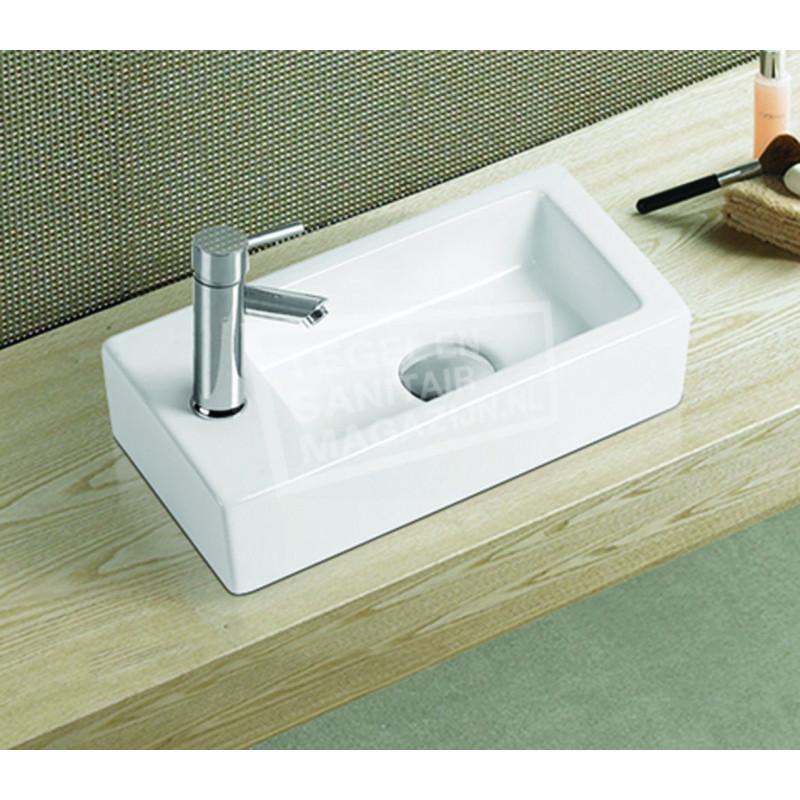 Kleinste Fontein Toilet.Sanilux Piccova 36 5x18x9cm Keramische Fontein